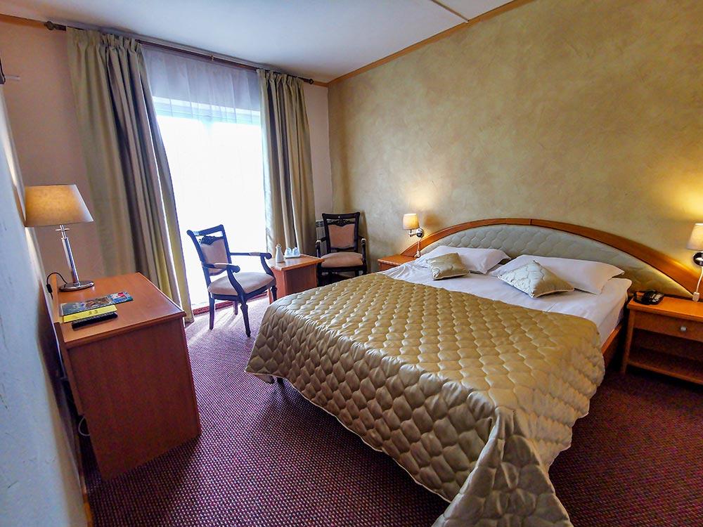 Camera dubla matrimoniala Hotel Belvedere Predeal